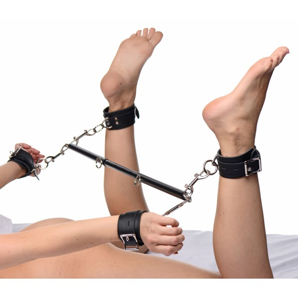 Black Doggy Style Spreader Bar Kit with Cuffs